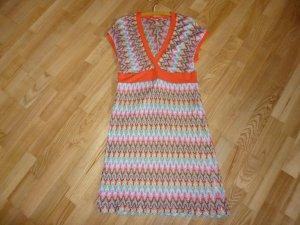 Sommerkleid aus glänzendem Garn von Piu & Piu
