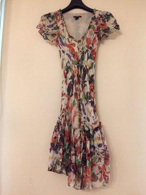 Sommerkleid aus Seide mit Volants