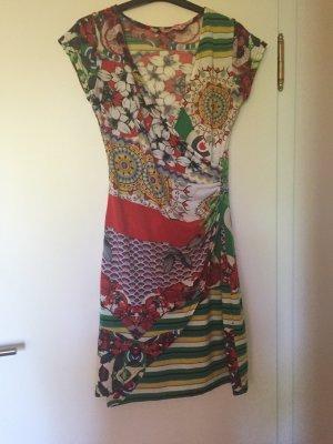 Sommerkleid bunt und hübsch