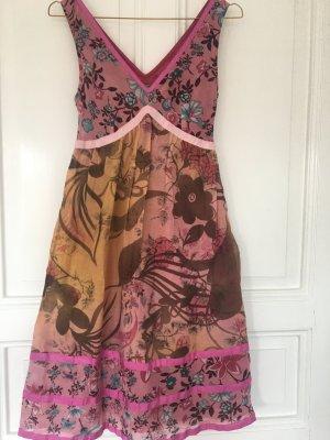 Sommerkleid im Blümchenlook von Benetton