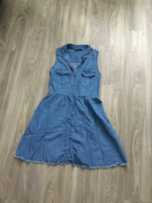 Sommerkleid im Denim Style von Bershka