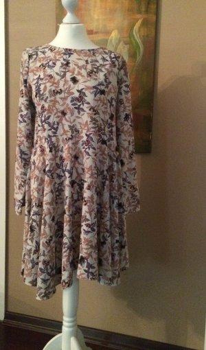 Sommerkleid in beige-braun, luftig geschnitten, in A-Linie