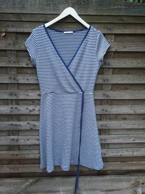 Sommerkleid in blau-weiß gestreift