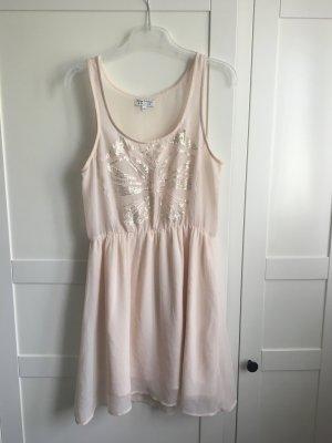 Sommerkleid in Rosa mit Pailletten