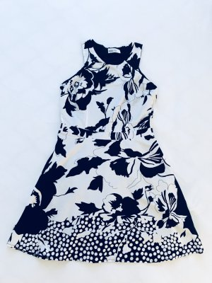 Sommerkleid / Kleid ärmellos, schwarz weiß, Blumenmuster, Pier One, Gr. S/M