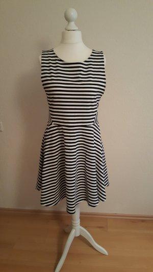 Sommerkleid maritim schwarz weiß gestreift kurz Kleid süß