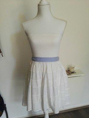 Sommerkleid mit abnehmbaren Gürtel