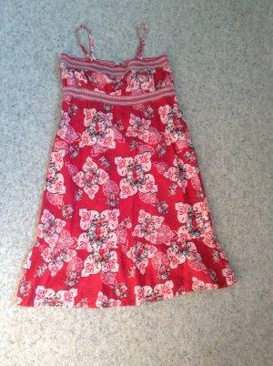 Sommerkleid mit abnehmbaren Trägern