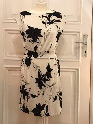 Sommerkleid mit Blumenmuster von Kling