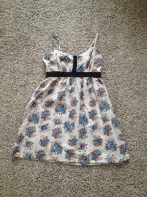 Sommerkleid mit Blumenmuster von Vero Moda