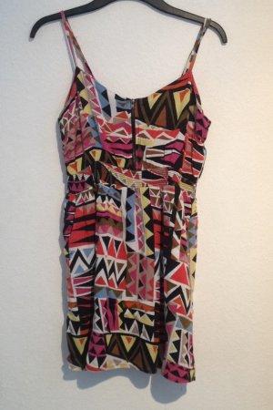 Sommerkleid mit buntem Muster