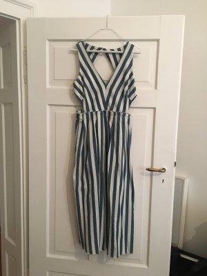 Sommerkleid mit Cut-outs in Streifenoptik!