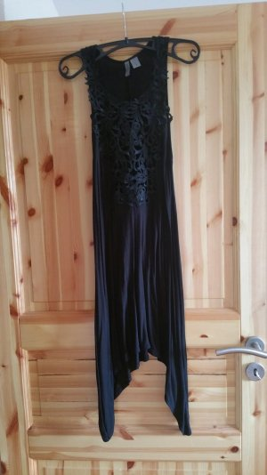 Sommerkleid mit Häkelapplikation