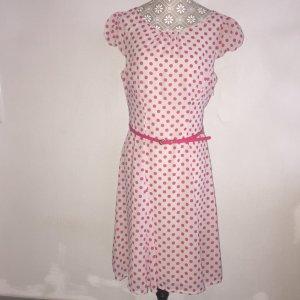Sommerkleid mit hübschen Polkadots