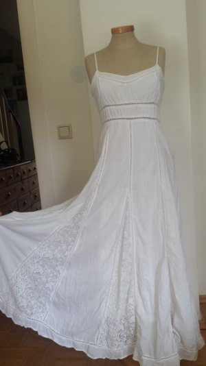 Sommerkleid mit mallorquinischer Spitze