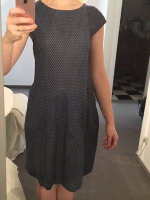 Sommerkleid mit Minimal-Print