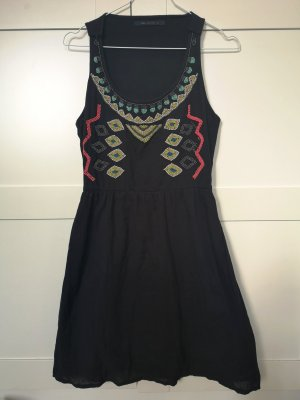Bershka Vestido Hippie negro-rojo claro