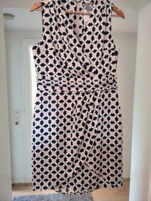 Sommerkleid mit Raffung
