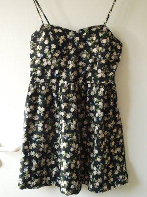 Sommerkleid mit Rosendruck