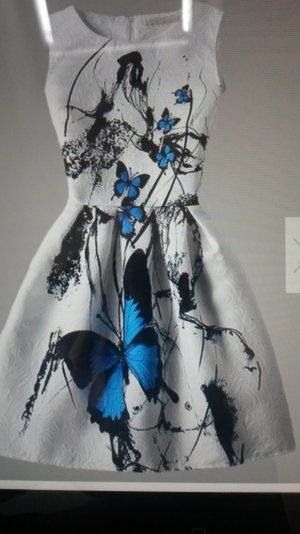 Sommerkleid mit Schmetterlingen