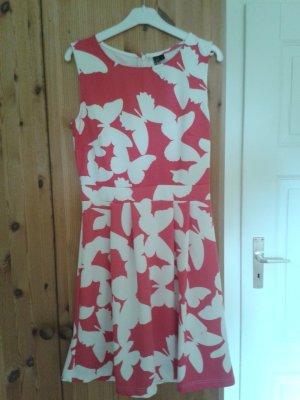Sommerkleid mit Schmetterlingsdruck