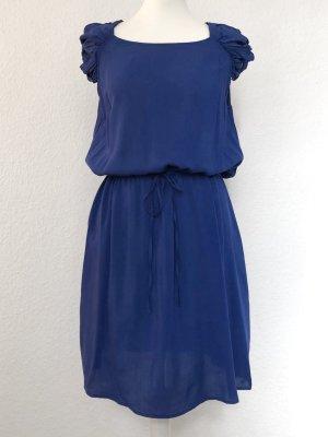 Sommerkleid mit schönen Schulterdetails . Neu mit Etikett