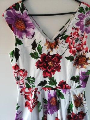 Sommerkleid mit seitlichen Taschen / Blumen