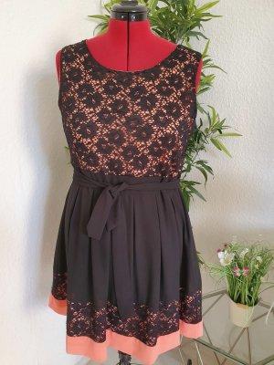 Sommerkleid mit Spitze: Lachsrosa/ Schwarz