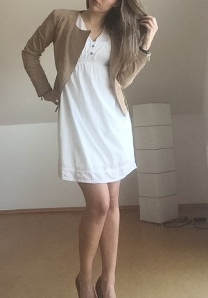 Sommerkleid mit Spitzendetails
