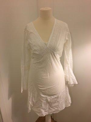 Sommerkleid mit Stickereien weiß