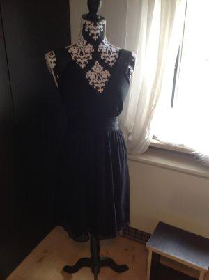 Sommerkleid mit tollem Ausschnitt - für einen schönen Sommertag