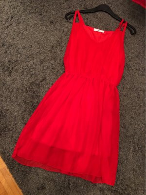 Robe courte rouge
