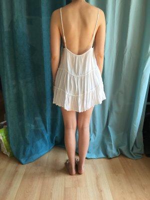Sommerkleid Rückenausschnitt und Stickerei