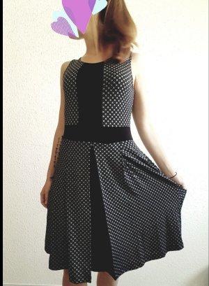 Sommerkleid schwarz gepunktet Gr. 36