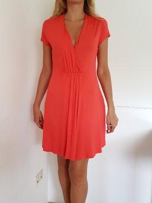 Vestido playero rojo claro