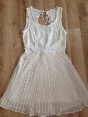 Sommerkleid Vila Gr.36 Kaum getragen und in bestem Zustand