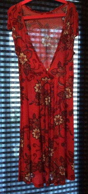 Sommerkleid von edc in Rottönen