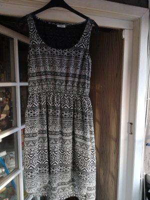 Sommerkleid von Only schwarz weiß