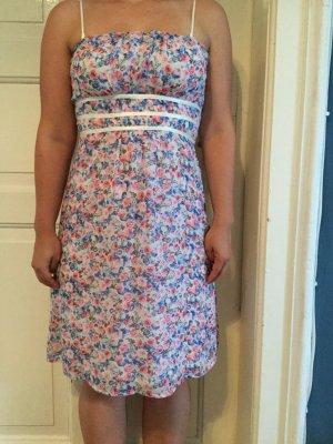 Sommerkleid von sOliver mit Blumenmuster