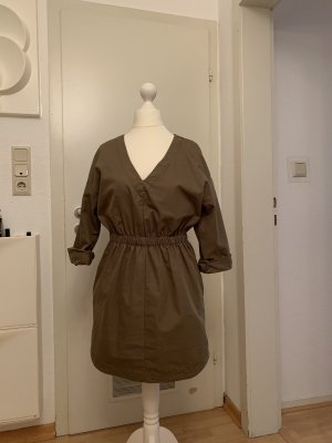 Zara Vestido de manga corta caqui