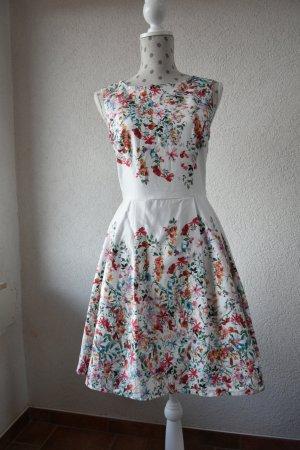 Sommerkleid weiß mit floralem Muster