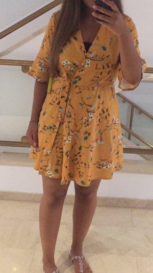Gina Tricot Vestido cruzado amarillo-rojo