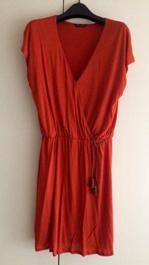 Sommerkleid, Wickelkleid, Farbe Ziegelrot, Jersey von Massimo Dutti