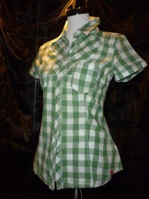 Sommerlich grün-weiß-kariertes Hemd