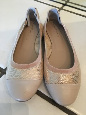 Sommerliche Ballerinas in nude & Gold