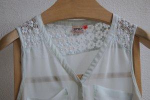 Sommerliche Bluse in mintgrün mit Stickereien Vero Moda