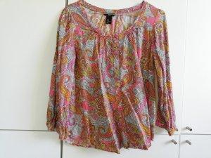 sommerliche Bluse mit Muster 40