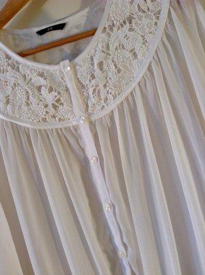 Sommerliche Boho-Bluse in Weiß