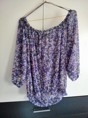 Sommerliche Carmenbluse