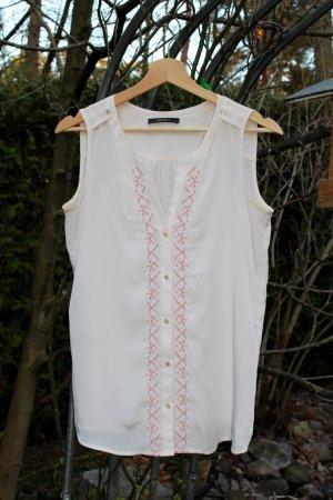 sommerliche Esprit-Bluse mit Stickerei und kleinen Knöpfen